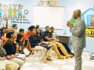 Millionaire Kinja Dixon teaches teens secrets to success